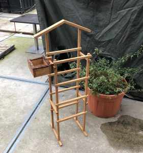 Clothing rack – 1/2020