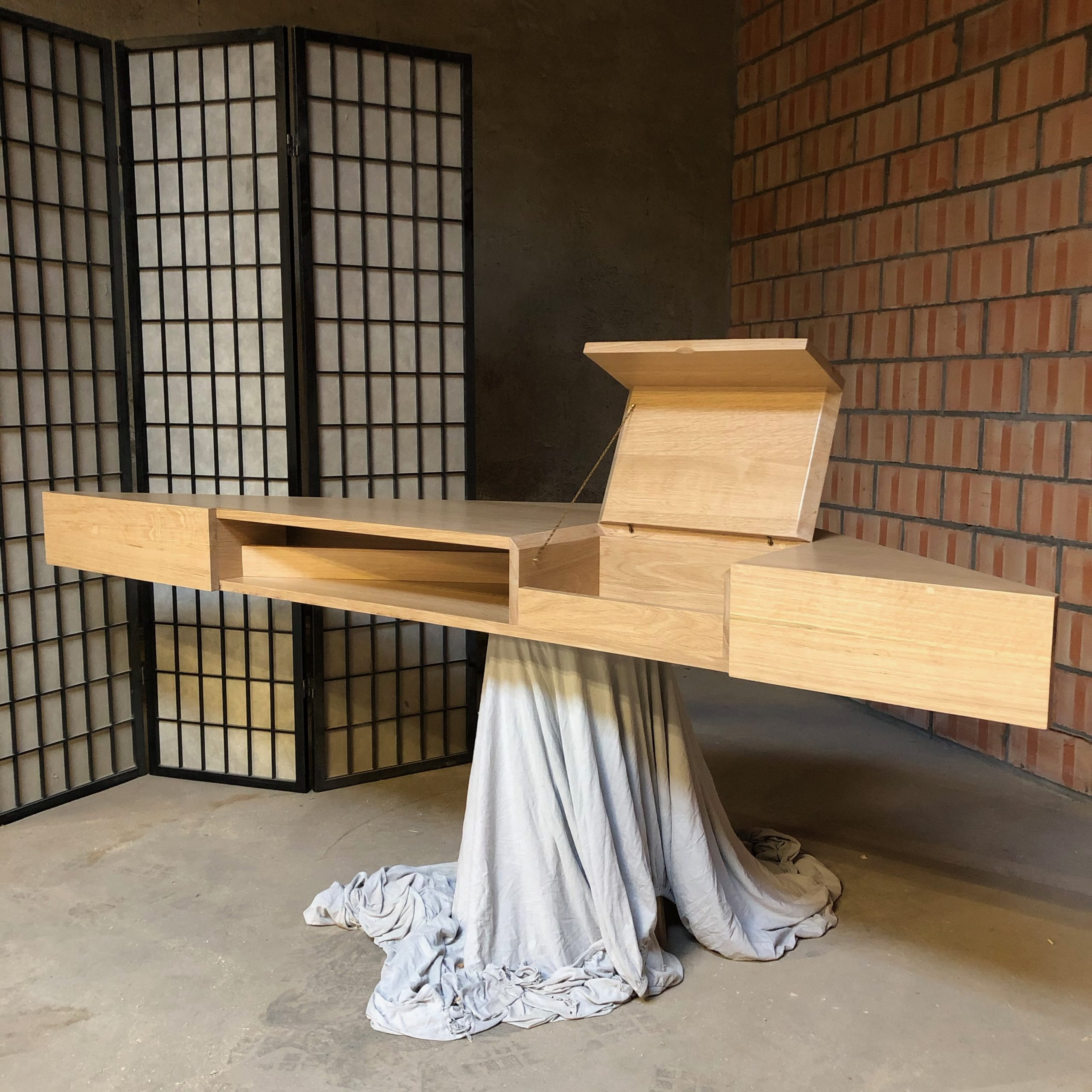 Desk & cupboard B.B. – 11/2020